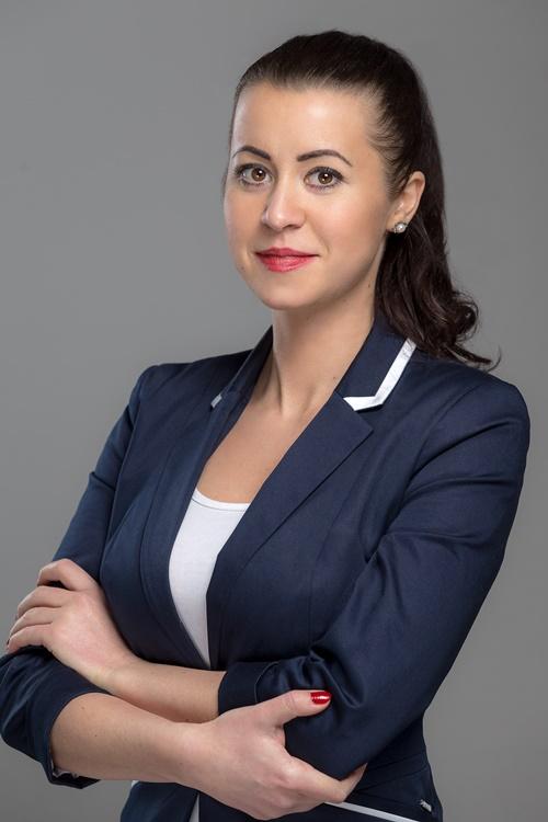 dr major zsófia jogász portré